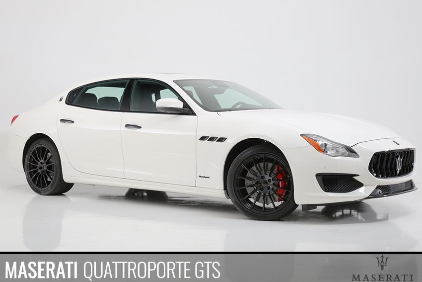 Maserati Quattroporte Blackout