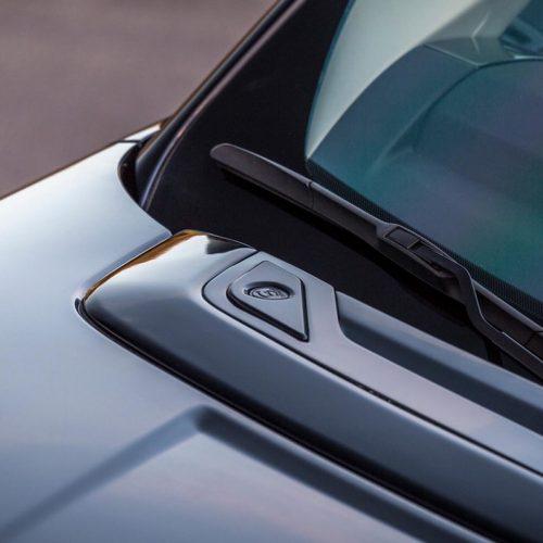 Range Rover Fiberglass Hood Vent